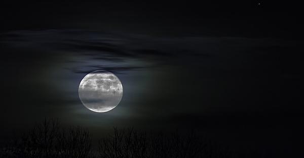 Людству настане кінець: Місяць зійшов з орбіти