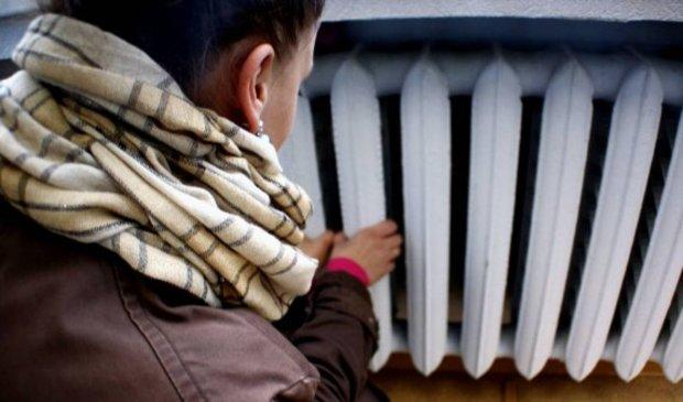 Замерзнем, пока дождемся: когда в Киеве включат отопление