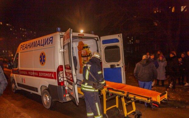 Потужний вибух в квартирі наполохав Дніпро, чоловік залишився без руки: відео