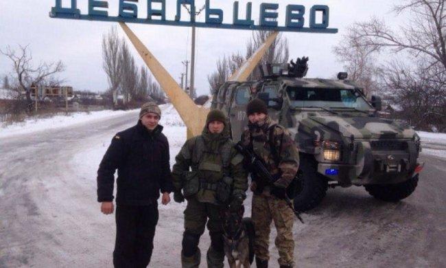 Російські  військові із криками «Аллах акбар» захоплюють будівлі Дебальцево