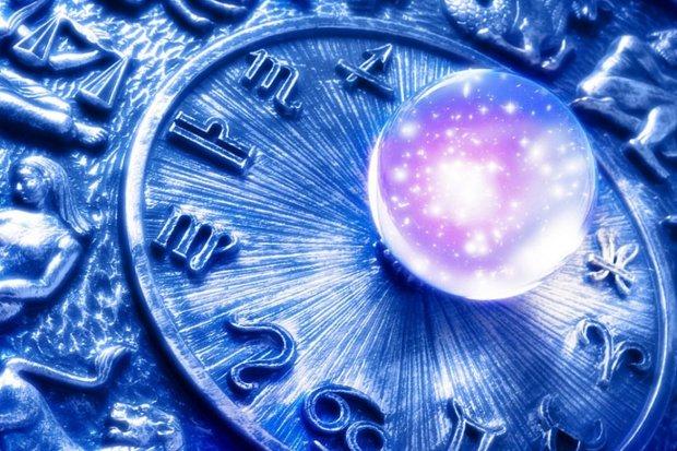 Гороскоп на 8 ноября для всех знаков Зодиака: кому расскажут сногсшибательную новость