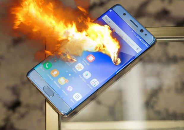 Samsung Galaxy Note 9 пытался сжечь хозяйку