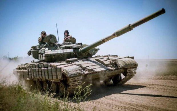 Под носом у боевиков: украинские танкисты готовятся к наступлению