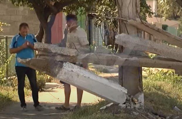 На Тернопольщине горе-электрики опозорились на все село - ни света, ни столба