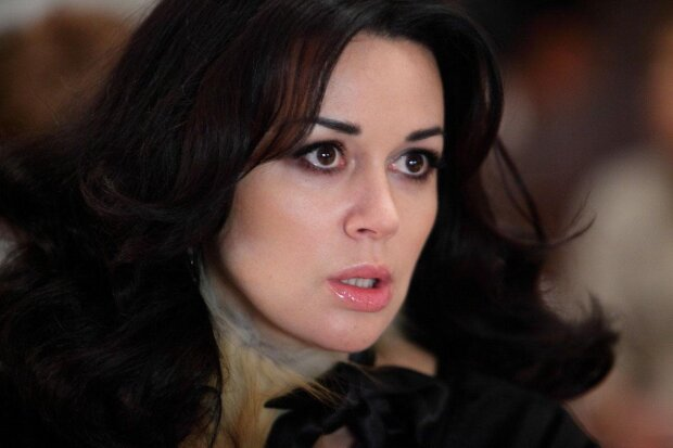 Анастасія Заворотнюк розрахувалася із боргами та покидає Росію: з акторки зняли тимчасові обмеження на виїзд з РФ