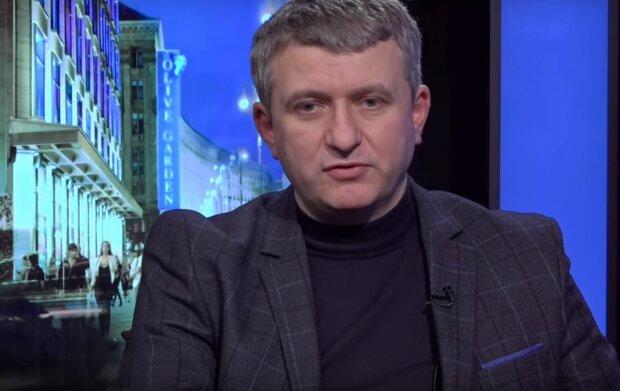 """""""Рухаємося до Бабиного Яру"""" - Романенко пояснив, як """"білі халати"""" Зеленського знищують медицину"""