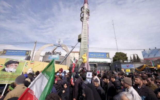 Иран запустил баллистическую ракету: видео