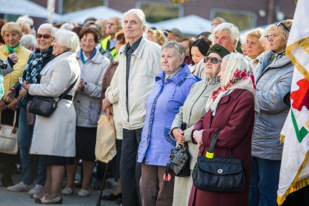 Українцям кардинально уріжуть пенсії: кого це торкнеться