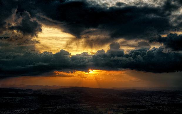 Погода на 16 липня: українці ще не скоро побачать сонце