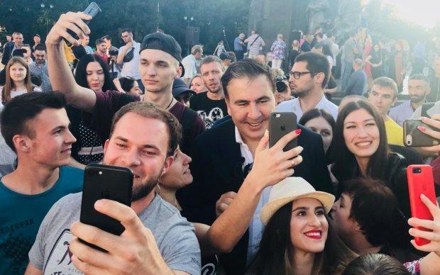 """Саакашвили разорвал танцпол, настоящий поклонник KAZKA: """"Жизнь удалась"""""""