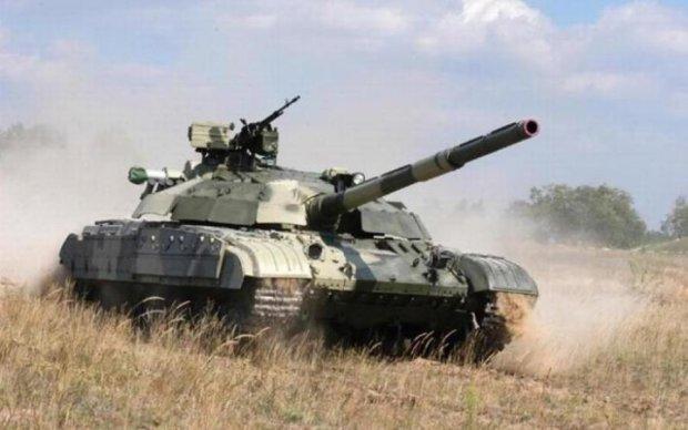 Воины на передовой получили полсотни танков