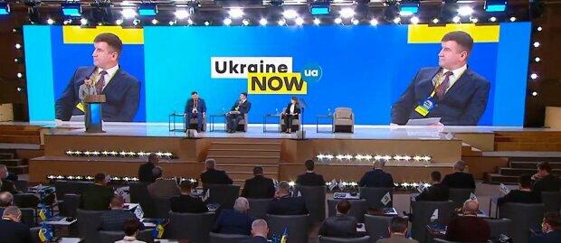 """Журналіст: як би форуму """"Україна 30"""" не перетворитися на сумовитий райком кінця 80-х"""