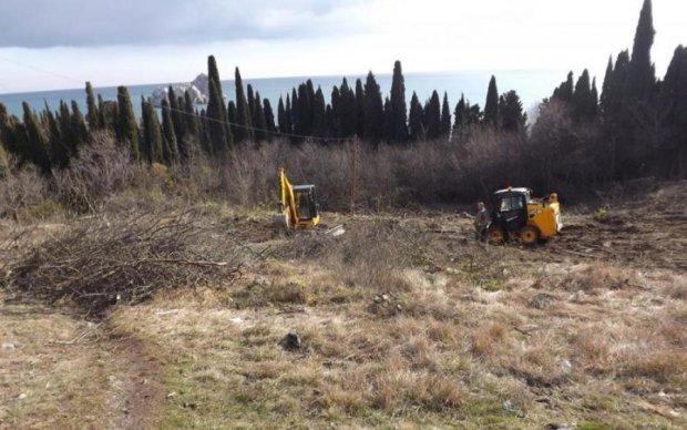 Оккупанты уничтожили кладбище крымских татар ради застройки
