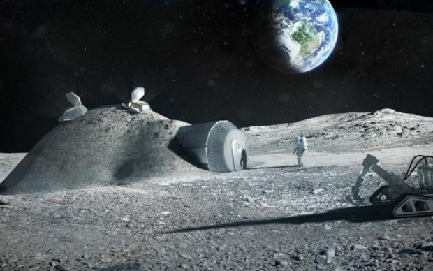 Пришельцы превратили спутник Земли в свою базу
