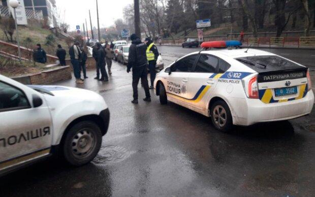 Виклик поліцейських, фото: Патрульна поліція України