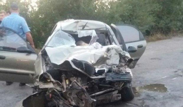 Кривава ДТП під Кривим Рогом: троє загинули (ФОТО)