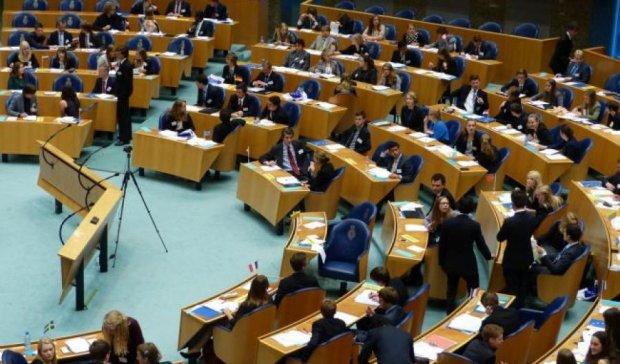 Асоціацію із Україною призупинили голландці