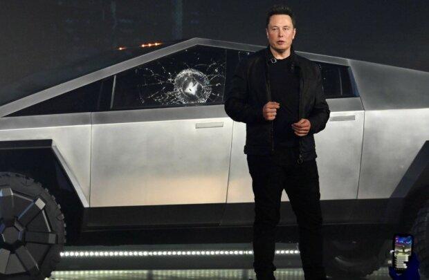 """Украинский чиновник """"отхватил"""" самую крутую Тesla от Илона Маска: сколько стоит чудо техники"""