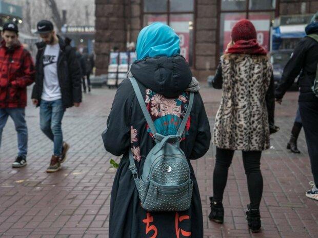 Мусульманкам в Виннице закрывают все двери: стоит только надеть хиджаб....
