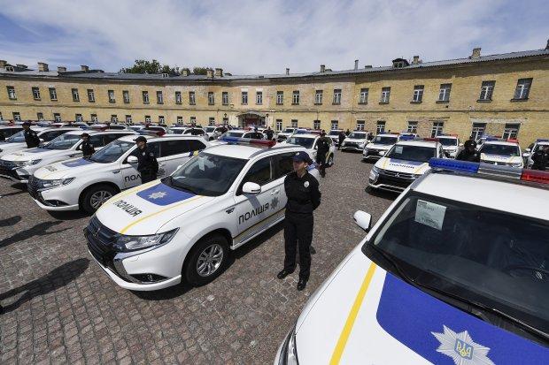 Всю суть реформи української поліції показали одним красномовним фото