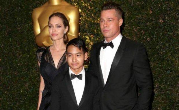 Джоли подделала документы для усыновления