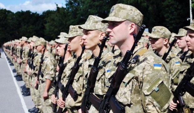 Военные приняли присягу в кепках по образцу ОУН-УПА (фото)