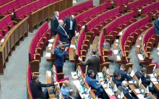 Киевлянин устроил интересный эксперимент с депутатами