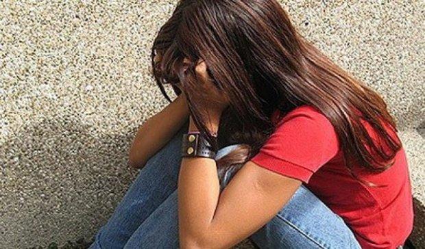 На Донбассе подростки дважды изнасиловали 11-летнюю девочку