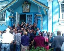 храм в селе Лука на Винниччине, противостояние