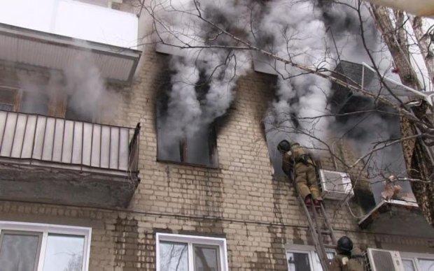 Полум'яне пекло раптово розверзлося в Києві: страшне відео