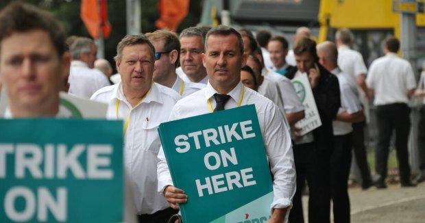 Сотні тисяч пасажирів за бортом: найбільший перевізник оголосив про страйк