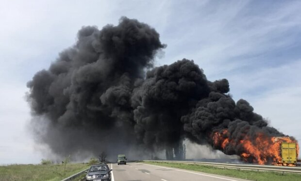 Загоряння автобуса, скріншот з відео
