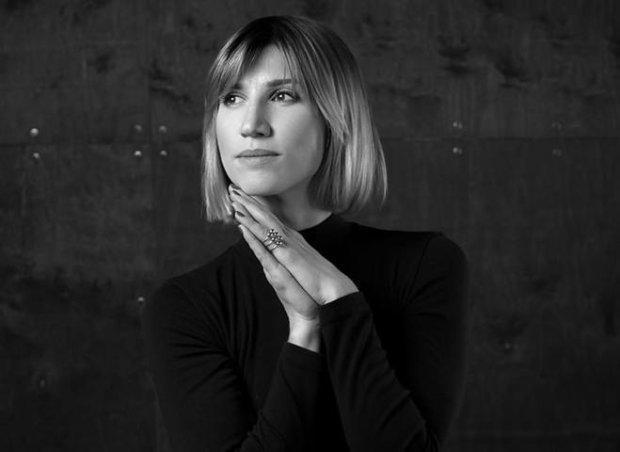 """Анита Луценко показала, как убрать """"ушки"""" на бедрах и жир с живота"""