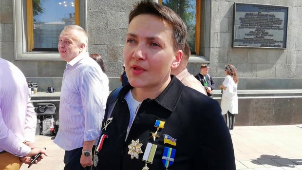 Савченко заткнула за пояс всех нардепов на инаугурации Зеленского: нарядилась, как елка