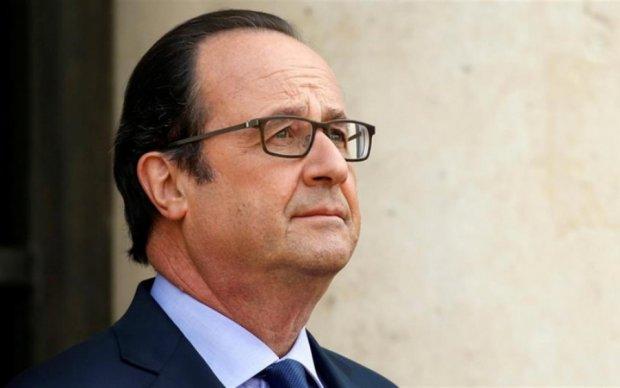 Хакеры пригласили праздновать отставку Олланда от его имени
