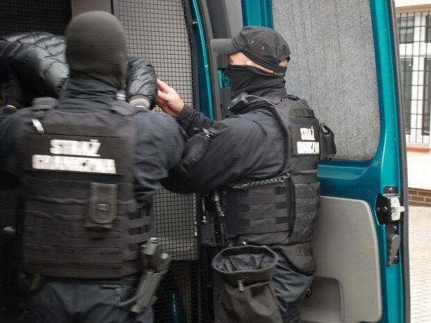 Принял ислам и готовился к теракту: в Польше задержали гражданина Украины