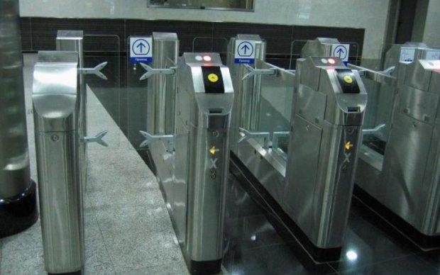 Сінгапур позбавить метро від черг