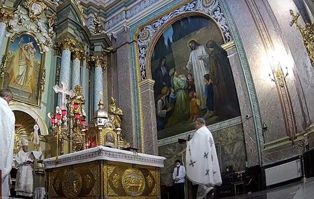 Украинцев пустят в церкви, несмотря на коронавирус - Бог разрешил