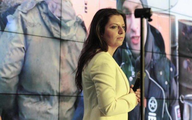 """Дурневі дурне сниться: леді-пропаганда махне """"новачка"""" з Путіним на брудершафт"""