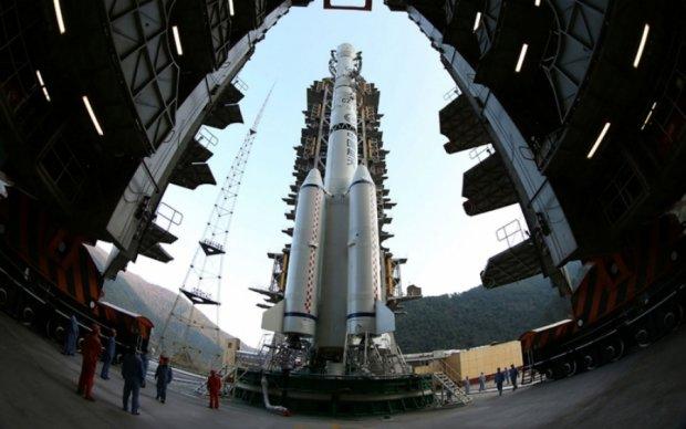 Китай похвалився успішною стиковкою корабля у відкритому космосі