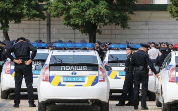 Въехал в патрульных: пьяный водитель сам попал в руки копов
