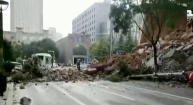 Обвалення стіни в Китаї, скріншот