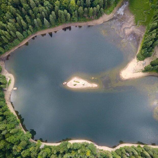 Озеро Синевир, фото: Sergii Ponomarenko