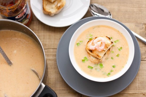 Суп з креветками і селерою всього за 25 хвилин