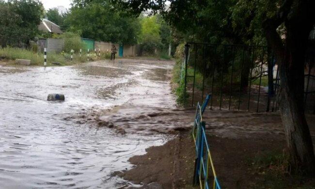 Прорив каналізації в Харкові, скріншот: YouTube
