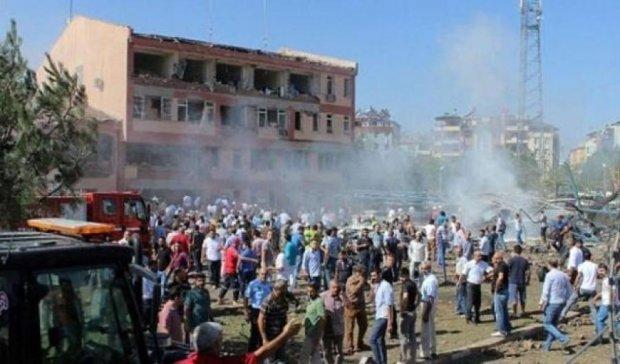 Теракт в Туреччині: загинула дитина, мінімум 15 поранених