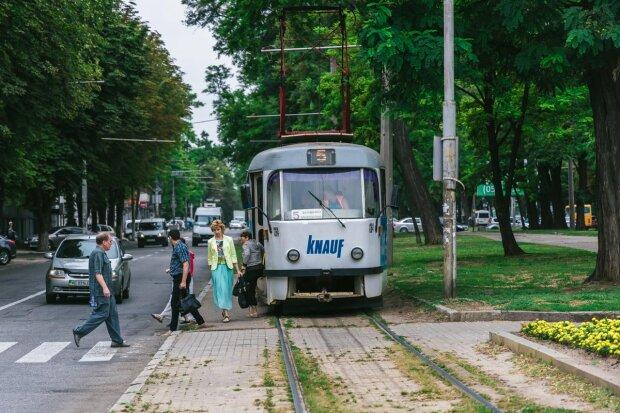 Найдовший трамвай України запрацював у Одесі: де ловити рогате диво техніки