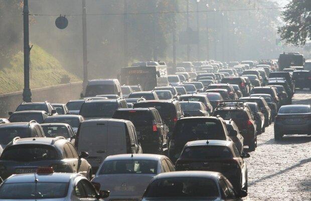 Автомобілі, фото: unian
