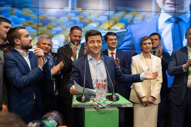 Польща занепокоєна, а Угорщина бачить надію: як сусідні країні відреагували на президента Зеленського