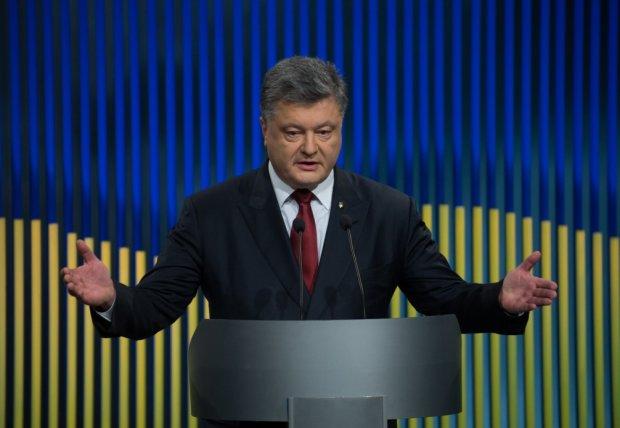 Порошенко впервые прокомментировал шансы на победу в выборах: мы не Россия